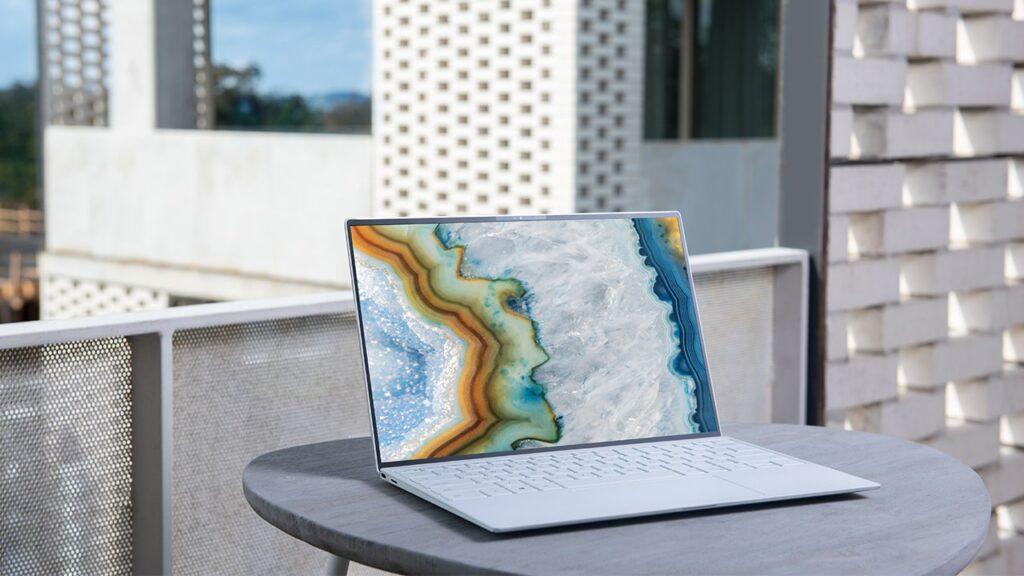 ノートパソコンを購入する際に確認すべき3つの点【ノートパソコンを買おうとしているブログ初心者必見】